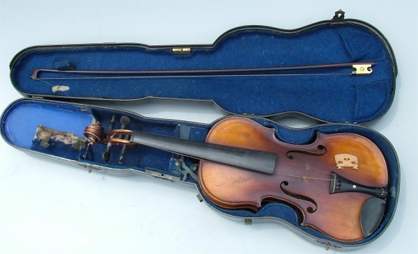 5010: STRADIVARUIS COPY VIOLIN IN CASE, MISSING STRINGS