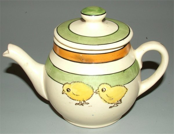 5813: ROSEVILLE JUVENILE CHICKS TEAPOT 4""