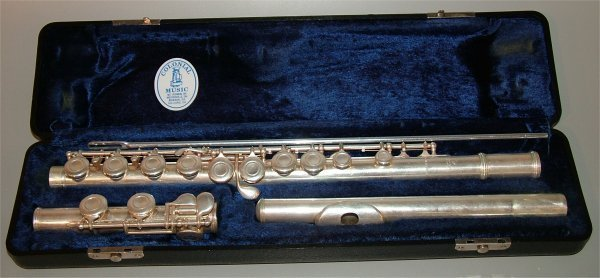 5003: E.L. DEFORD SILVERTONE FLUTE IN CASE & LEATHER CA