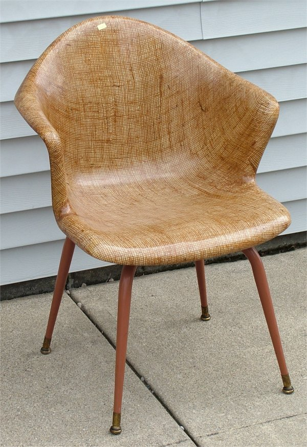 5017: MOLDED FIBERGLAS BUCKET CHAIR 23L X 22D X 32H, AP
