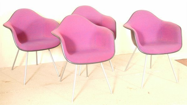 5018: (4) HERMAN MILLER FIBERGLAS BUCKET CHAIRS W/RED &