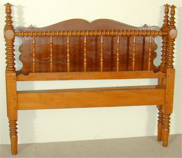 5070: CURLY MAPLE POSTER BED W/POPLAR CUTOUT