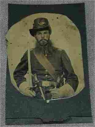 CIVIL WAR TIN TYPE UNION SOLDIER SEATED