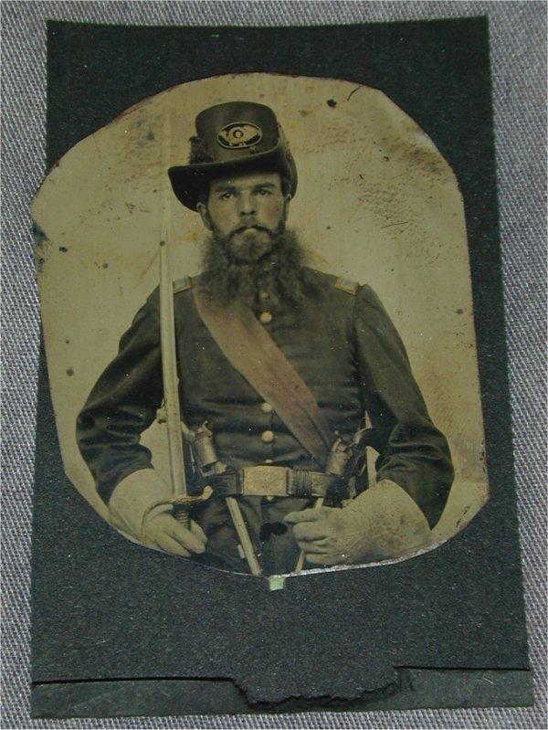 5082: CIVIL WAR TIN TYPE UNION SOLDIER SEATED