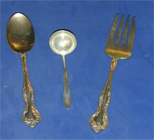 202: REED & BARTON SILVER PLATE MEAT FORK, SE