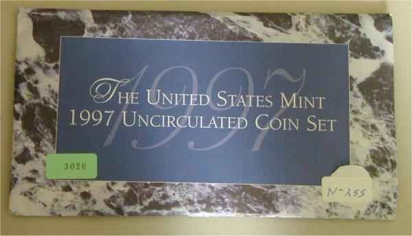 3026: U.S. MINT SET 1997