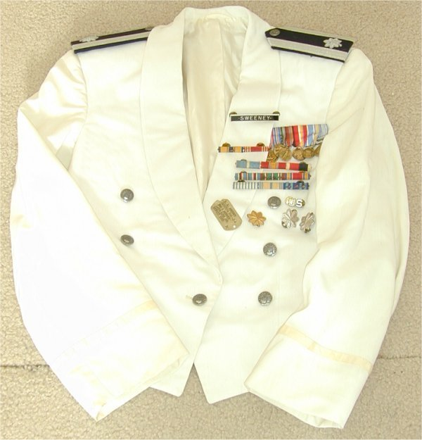 50: DRESS UNIFORM & MEDALS FROM LT COL E E SW