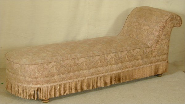 907: TAPESTRY UPHOLSTERED CHASE LOUNGE W/FRIN