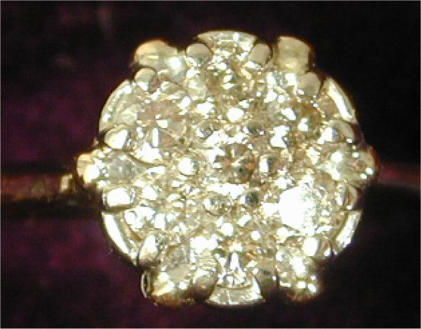 1408: 14K Y G DIAMOND CLUSTER STYLE RING W/7