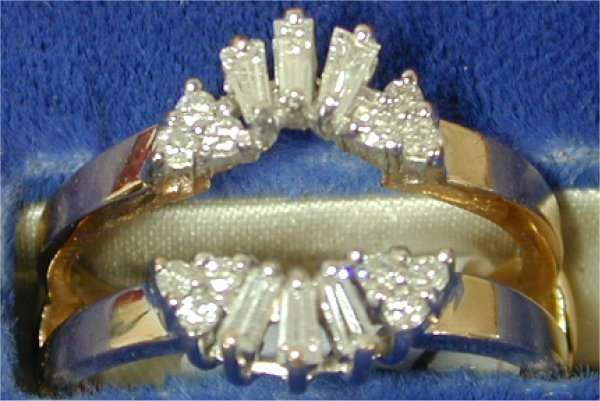 1417: 14K Y G BAGUETTE & RND DIAMOND RING GUA