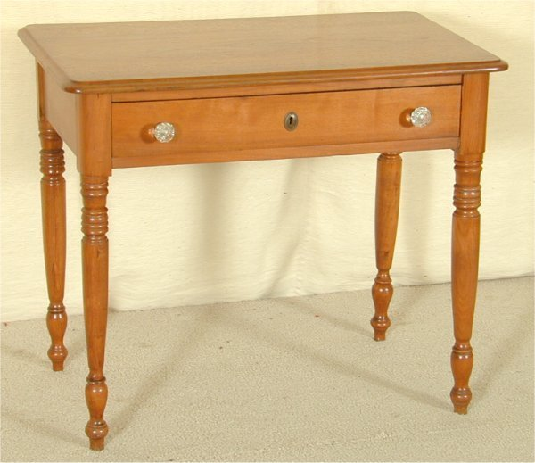 "5505: WALNUT SHERATON 1 DWR TABLE W/GLASS PULLS 34""L X"