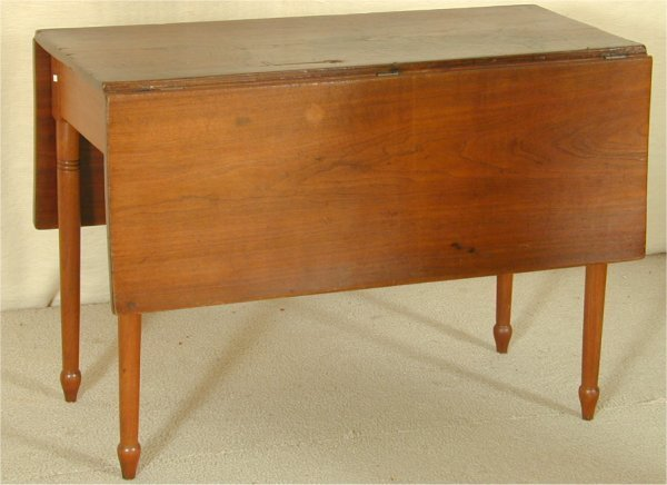 5506: WALNUT SHERATON DROP LEAF TABLE, REPAIRS & STAINS