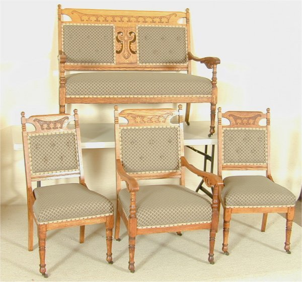 5507: 4 PC OAK TURN OF THE CENTURY PARLOR SET W/SETTEE,