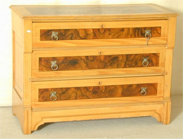 "5513: MAPLE VICTORIAN 3 DRWR GRAIN PAINTED CHEST 30""H X"
