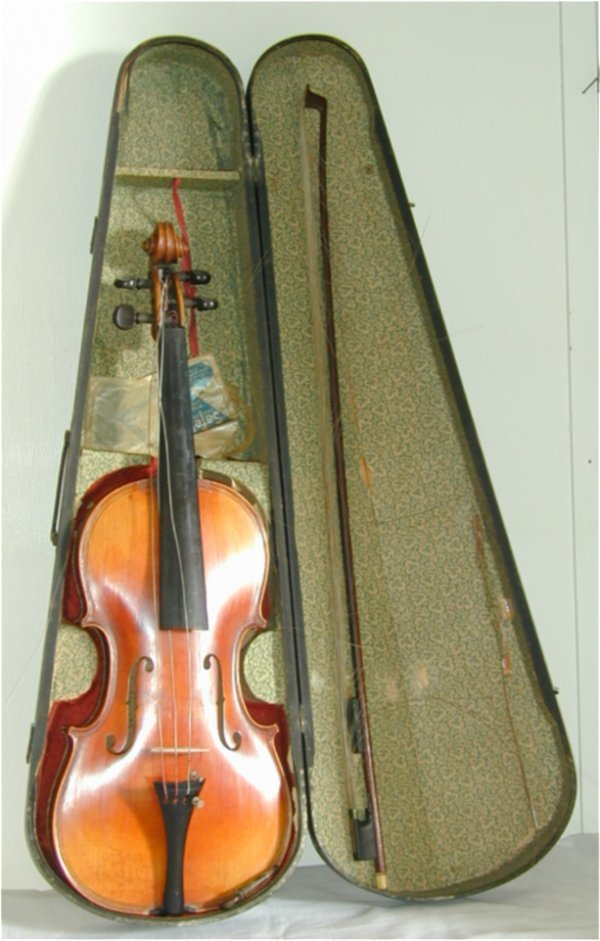 5014: VIOLIN & BOW IN WOOD CASE