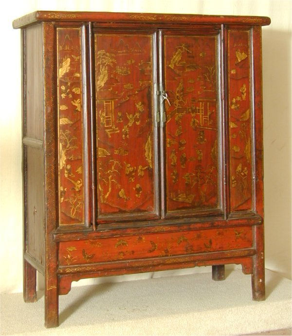 5305: ORIENTAL RED LACQUARED 2 DOOR CABINET W/GOLD FIGU