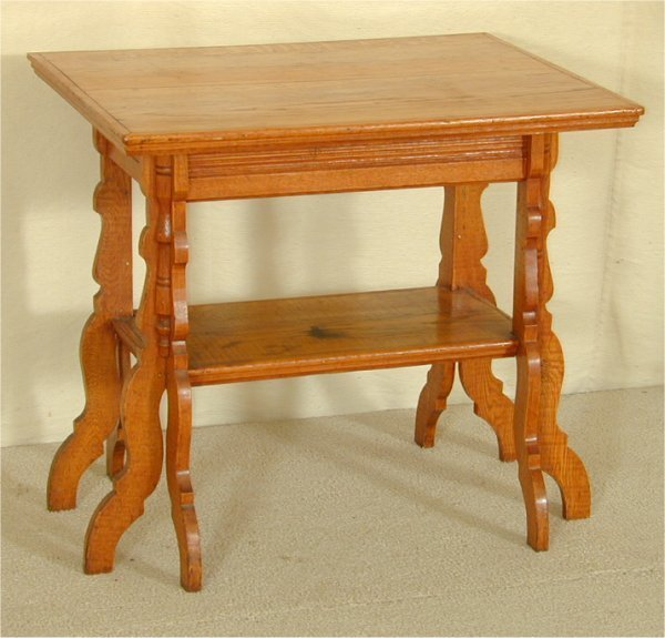 "5018: OAK 2 TIER PARLOR TABLE W/SHAPED LEGS 32""L X 25""W"