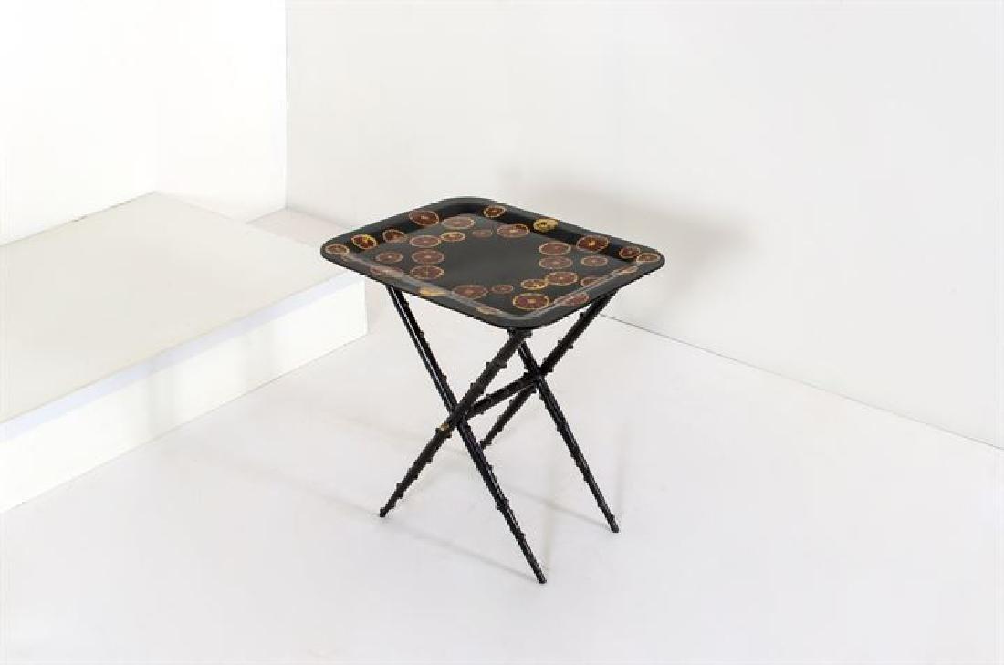 FORNASETTI PIERO_x000D_ Tavolino con struttura a pliant