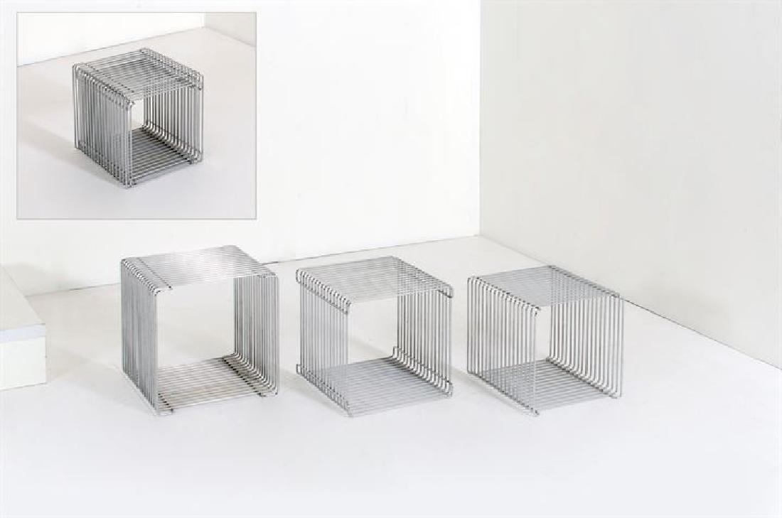 PANTON VERNER_x000D_ Tre tavolini