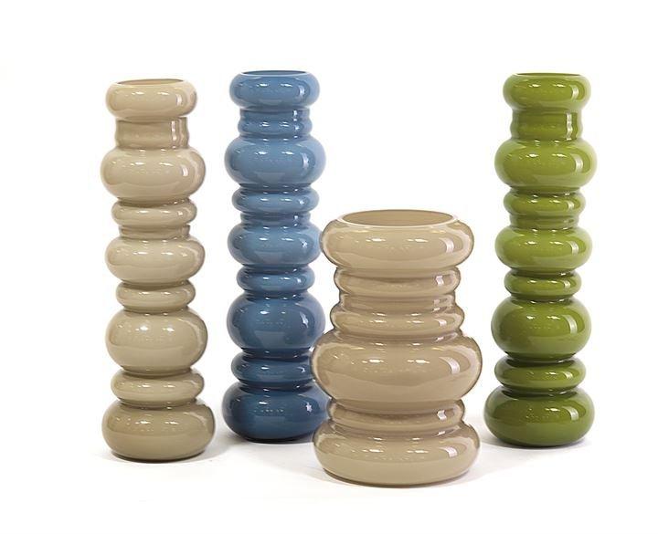 SELENOVA Quattro vasi in vetro seleopal colorato.