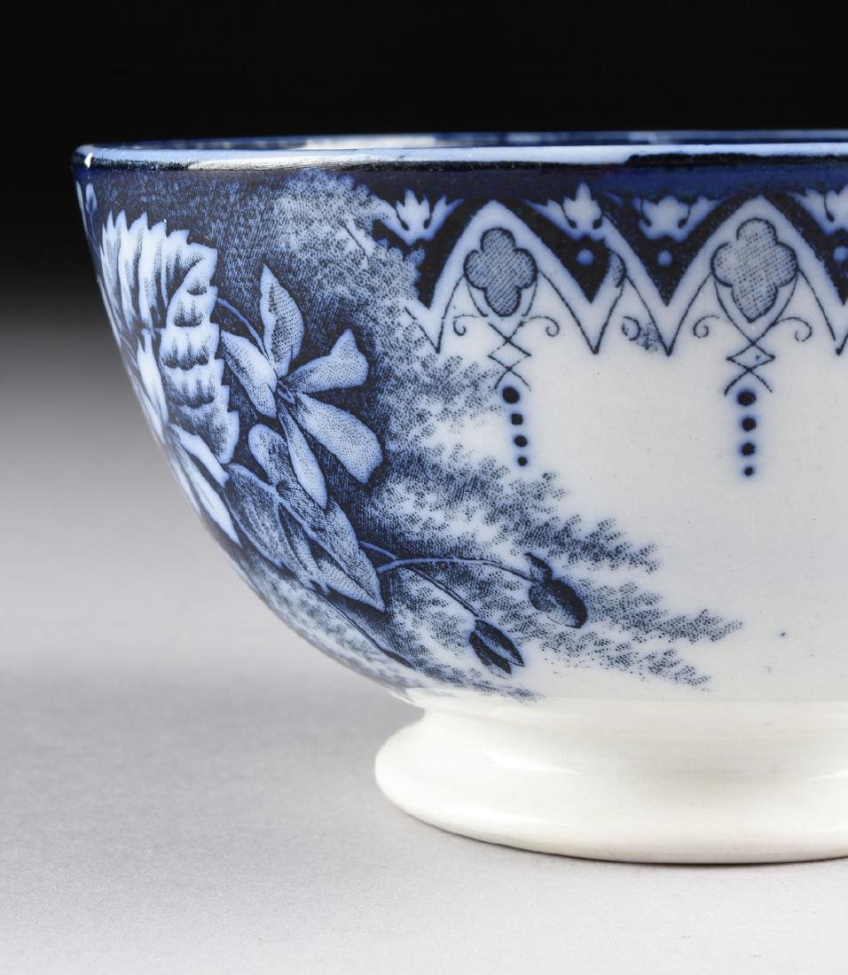 AN ANTIQUE KELLER & GUERIN BLUE AND WHITE DECORATED - 7