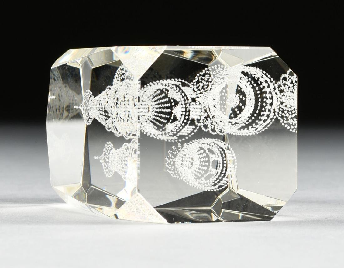 A RUSSIAN CONTROLLED BUBBLE GLASS PAPERWEIGHT, 2OTH - 5
