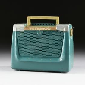 A VINTAGE AMERICAN PHILCO RADIO, 1951, MODEL 51-629,