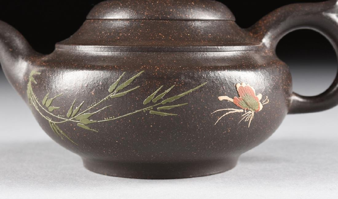 A CHINESE RED STONEWARE TEAPOT, YIXING PROVENCE, - 2