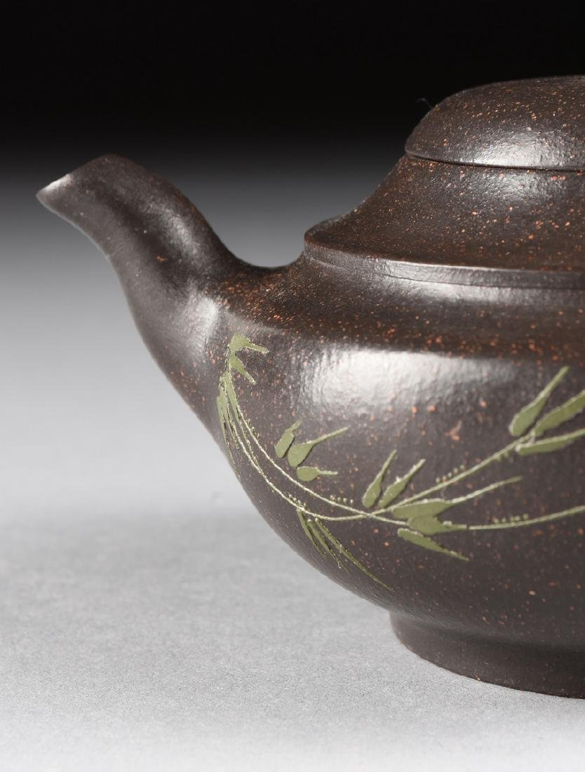 A CHINESE RED STONEWARE TEAPOT, YIXING PROVENCE, - 3