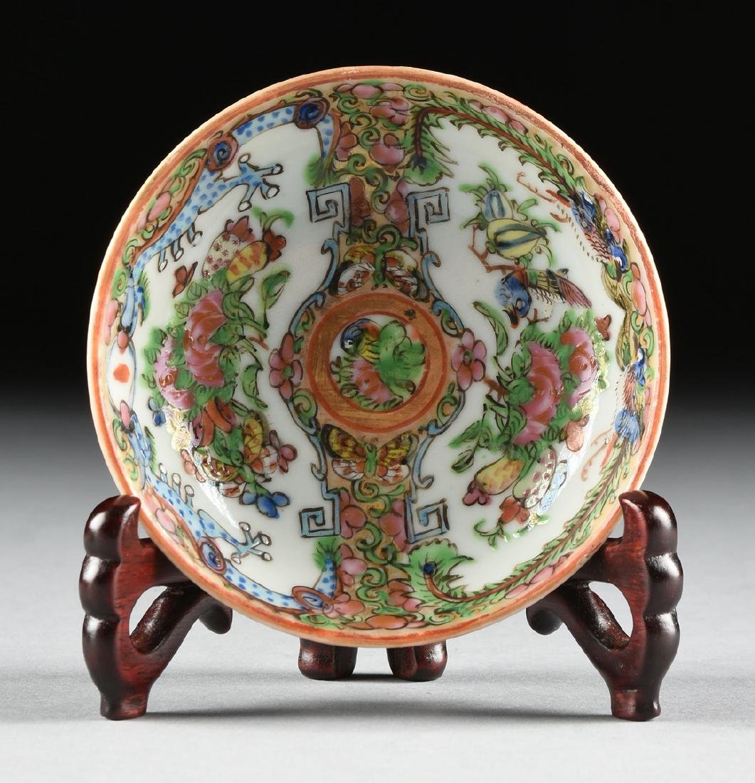 """A CHINESE EXPORT PORCELAIN """"ROSE MEDALLION"""" PATTERN - 9"""