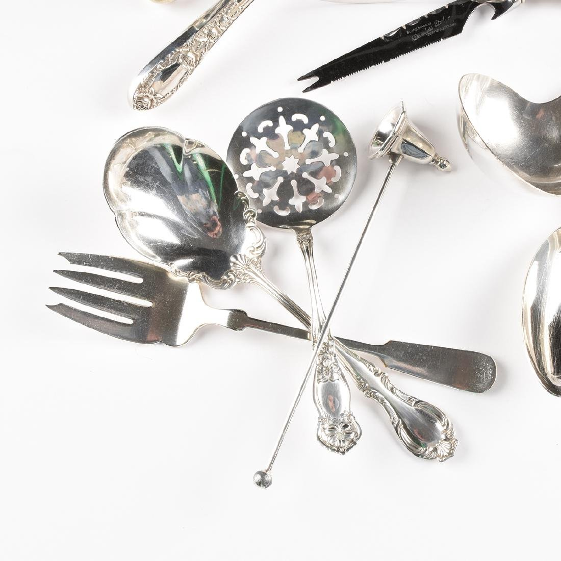 A GROUP OF TWENTY-FIVE STERLING SILVER AND SILVER - 2