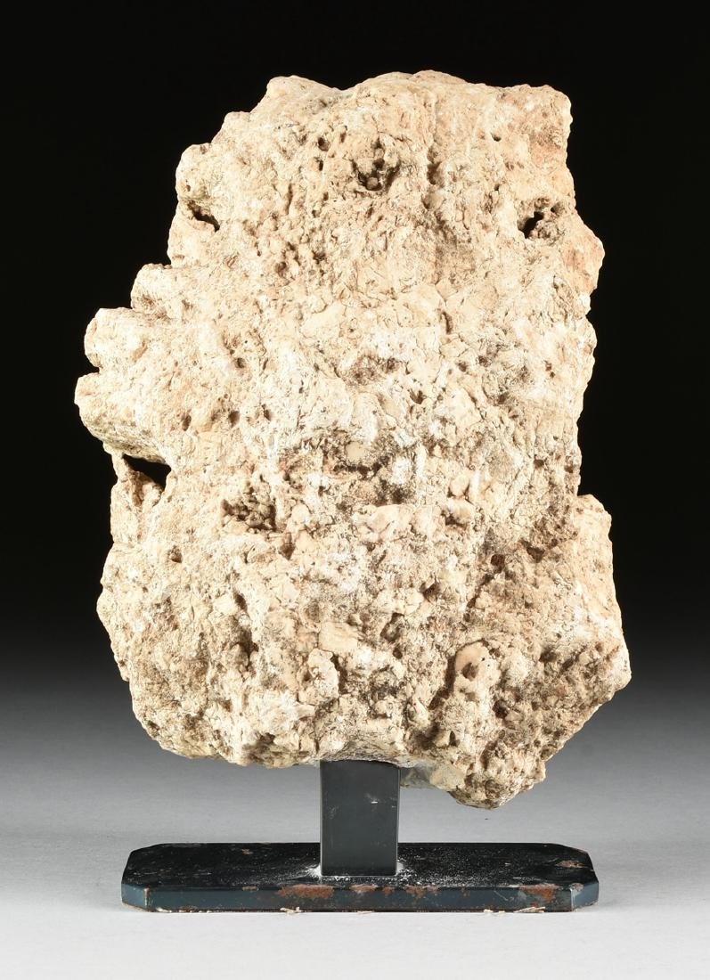 AN ANCIENT ROMAN CARVED MARBLE ARCHITECTURAL FRAGMENT - 6