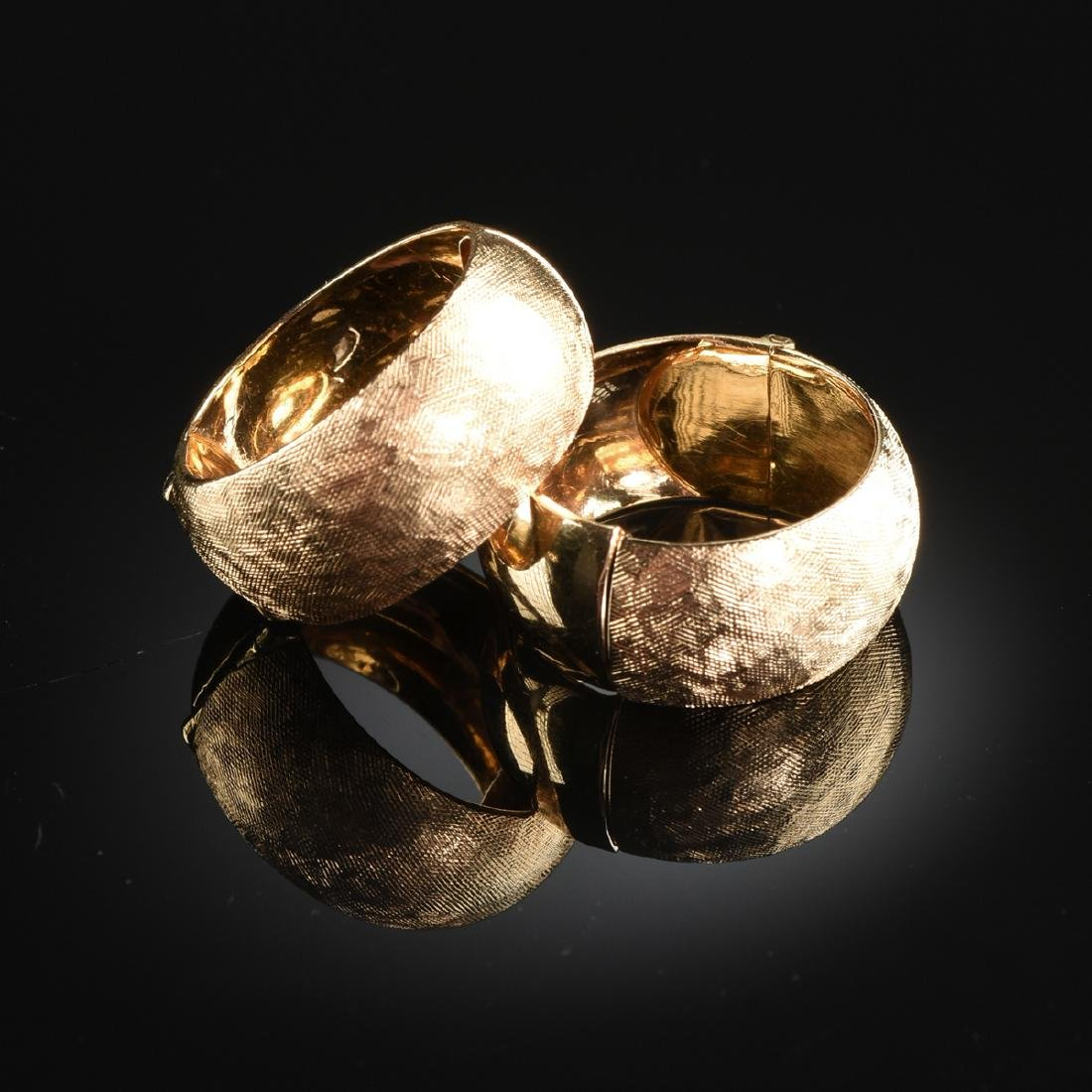 A GROUP OF FOUR PAIRS OF 18K YELLOW GOLD AND 14K YELLOW - 4