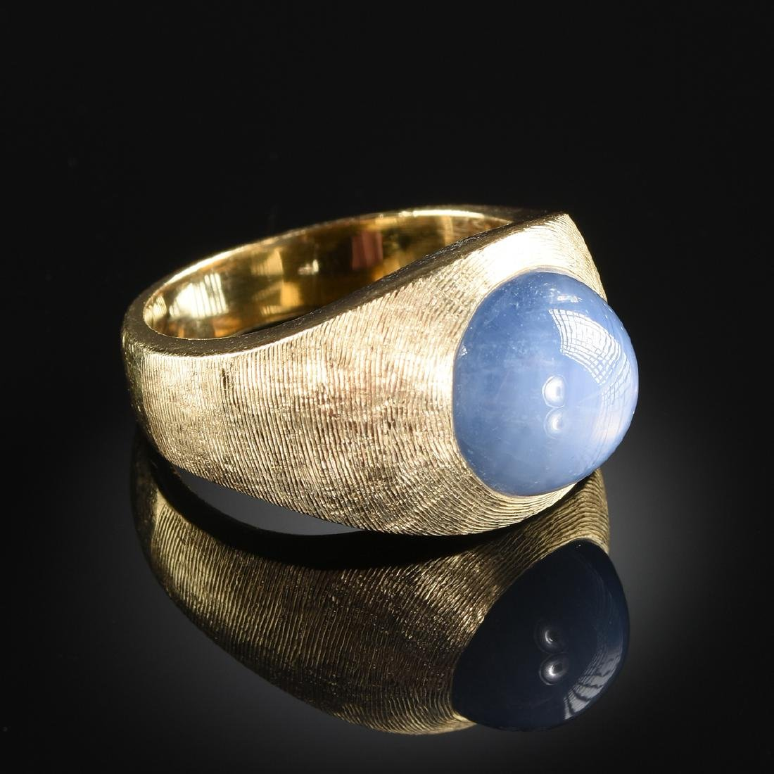 A 14K YELLOW GOLD AND GRAY/BLUE STAR SAPPHIRE - 2