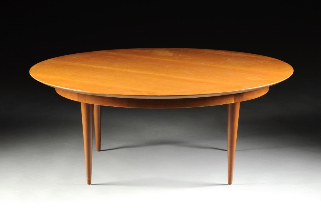 A LARGE VINTAGE MODERN AMERICAN MAPLE COFFEE TABLE,