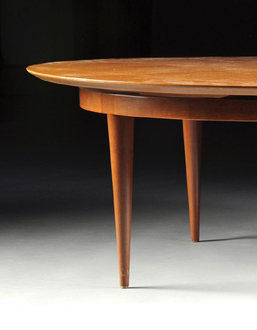 A LARGE VINTAGE MODERN AMERICAN MAPLE COFFEE TABLE, - 2