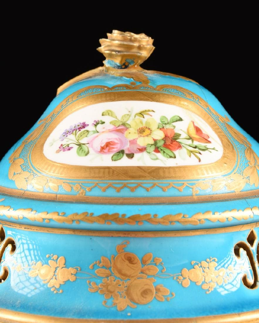 A PAIR OF SEVRES-STYLE BLEU CELESTE GROUND COVERED - 3