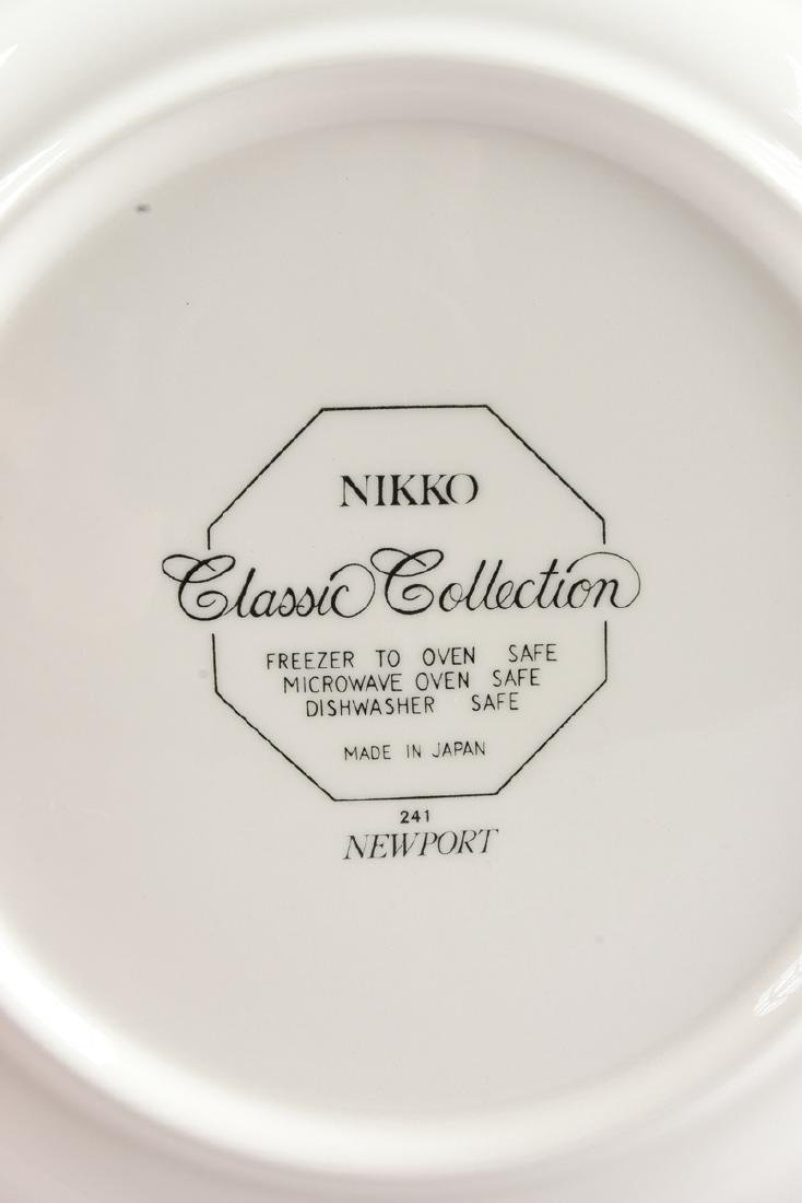 A SIXTY-THREE PIECE NIKKO CLASSIC COLLECTION DINNER - 5