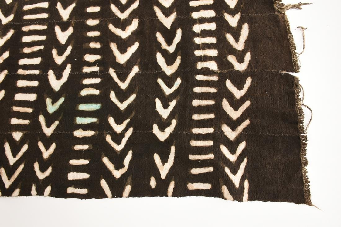 "AN AFRICAN DYED COTTON ""BOGOLANFINI"" TEXTILE, MALI, - 2"