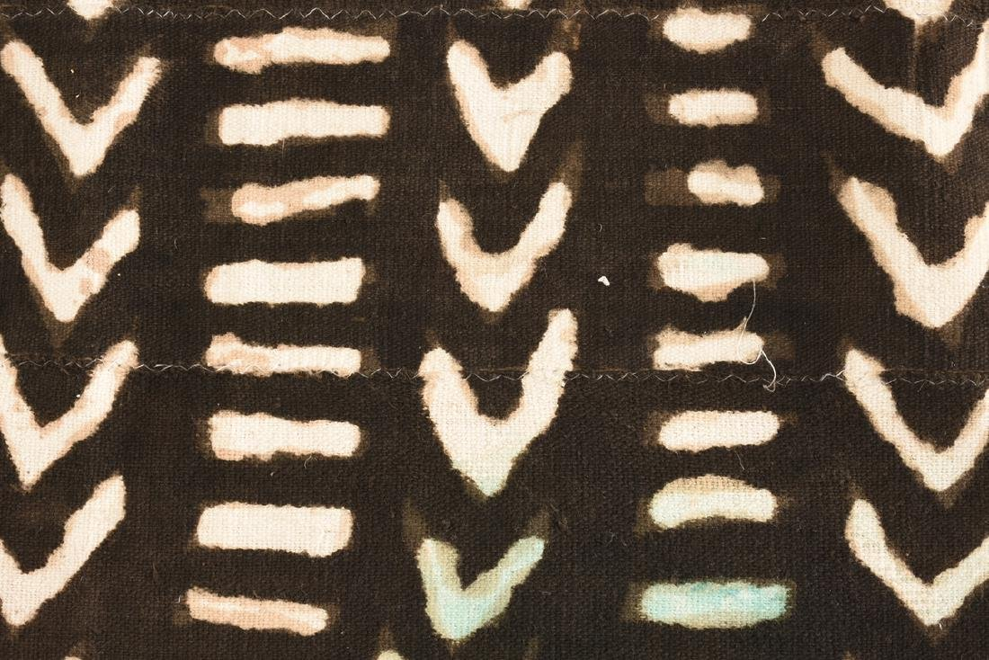 "AN AFRICAN DYED COTTON ""BOGOLANFINI"" TEXTILE, MALI, - 3"