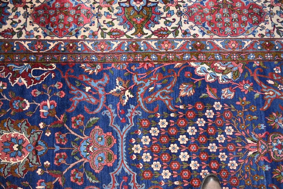 AN ANTIQUE PERSIAN BAKHTIARI CARPET, - 6