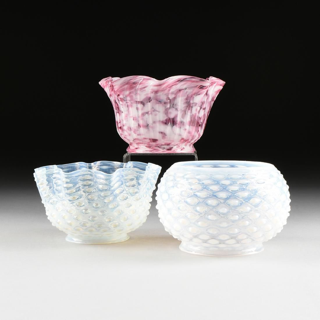 A GROUP OF THREE LATE VICTORIAN MILK AND MOTTLED