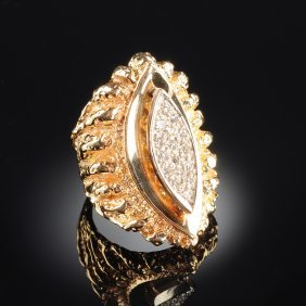 A 14k Yellow Gold And Diamond Lady's Ring,