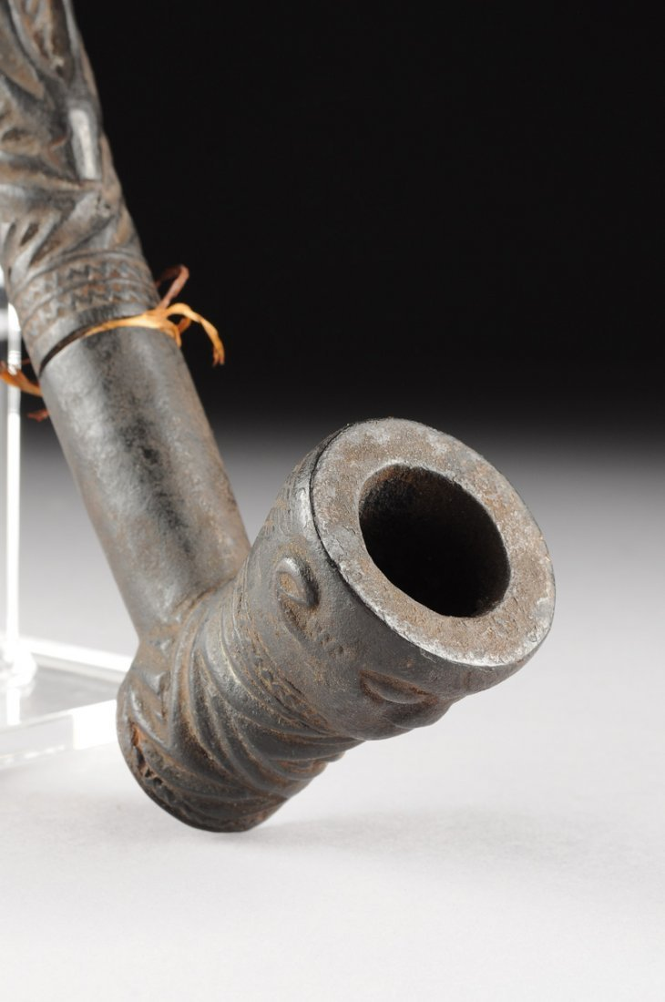 AN AFRICAN TRIBAL BAKONGO CARVED ANTLER PIPE, THIRD - 3