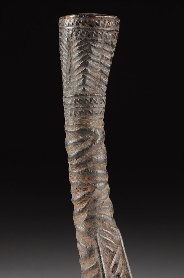 AN AFRICAN TRIBAL BAKONGO CARVED ANTLER PIPE, THIRD - 4