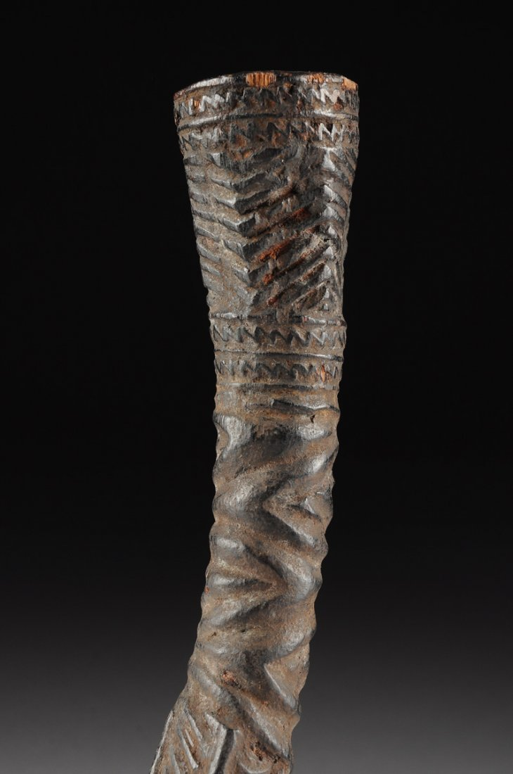 AN AFRICAN TRIBAL BAKONGO CARVED ANTLER PIPE, THIRD - 9