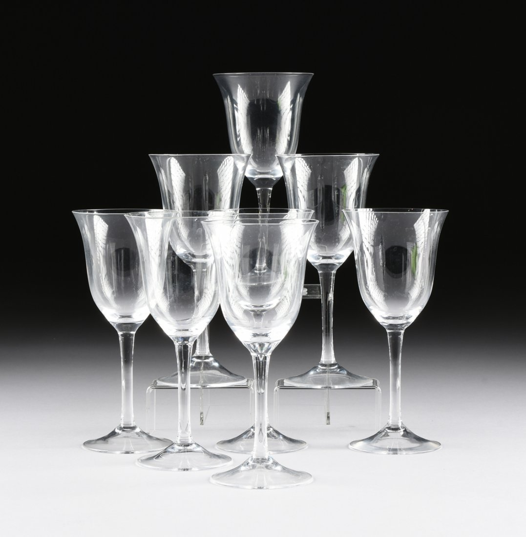 A SET OF EIGHT CRYSTAL RED WINE STEMWARE,