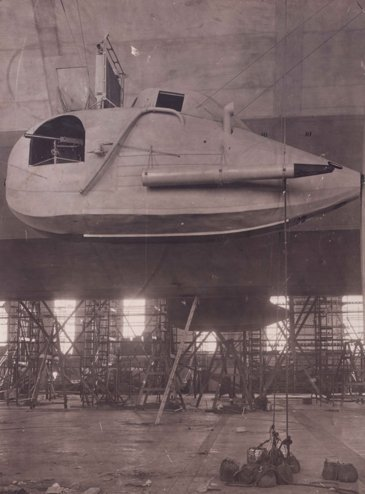 16 Assorted Photographs and Cards of Zeppelins: