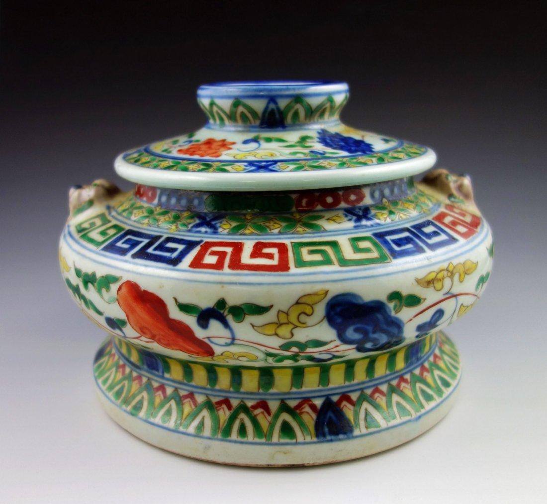 CHINESE PORCELAIN  XUANDE WUCAI JAR