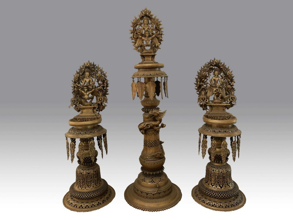 THREE ANTIQUE SINO-TIBETAN BRONZE BUDDHIST FIGURES